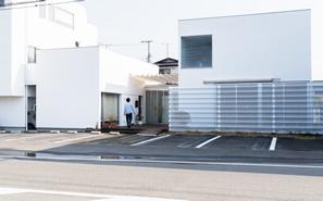 美容室のデザイナーズ建築の外観